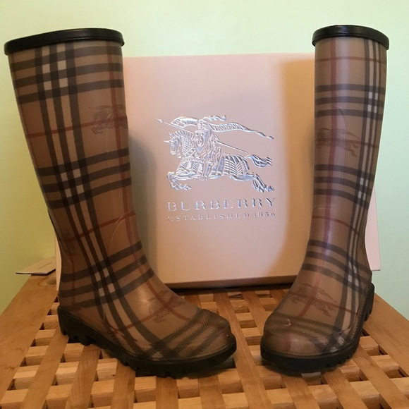 Burberry Shoes - Burberry Rain Boots LIKE NEW